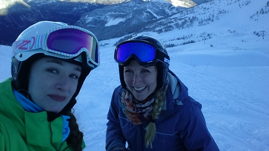 Camilla and Tamlyn on the snow - Snowbizz TLD ski trip #TLDSkiTrip