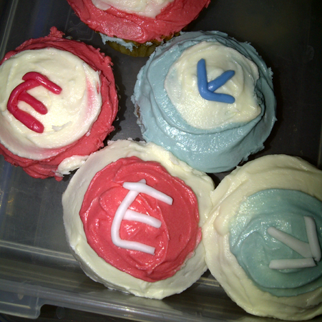 Cupcakes with Enthuse Marketing logo for our joint seminar with Tamsin Fox Davies